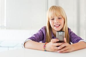 tween-on-cellphone